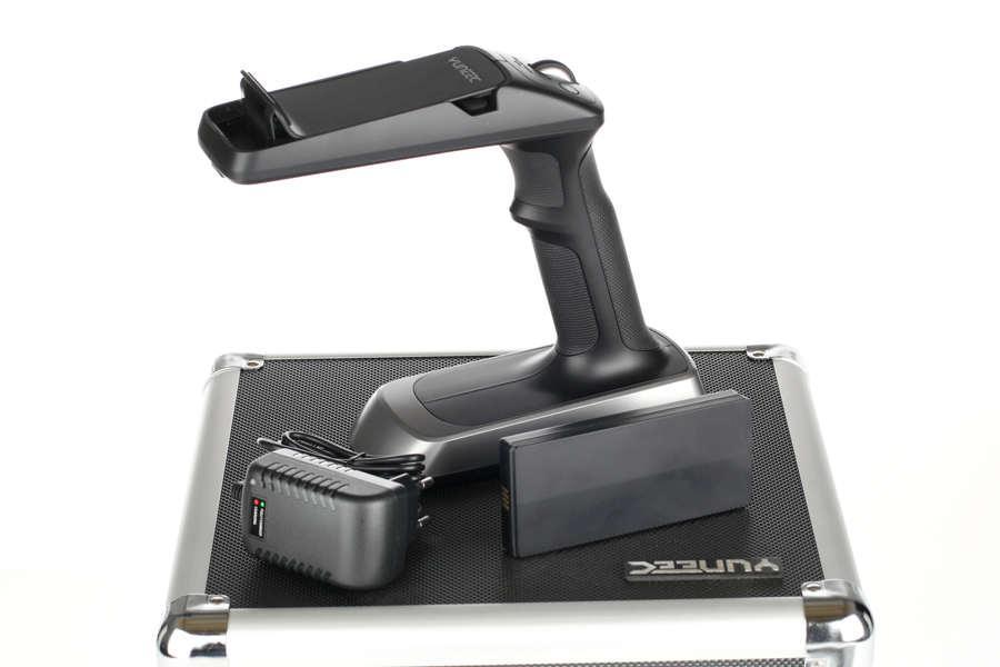 Akcesoria: CGO SteadyGrip LiPo + walizka YUNEEC